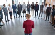 Comunica de forma eficaz: elimina el miedo a hablar en público (motiva, convence y vende)