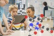 Introducción de la realidad aumentada para la enseñanza: CoSpaces Edu a Merge Cube. Presencial / Aula Virtual