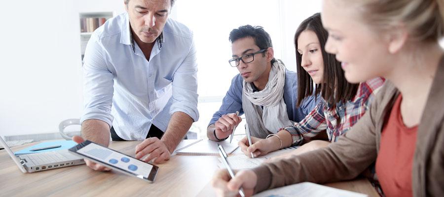 El curso presencial de Educación positiva & neurociencia te proveerá de técnicas dirigidas a mejorar la capacidad de pensamiento del alumno y su interacción social