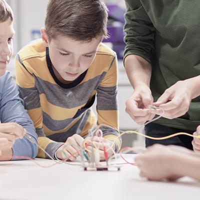 Desarrollo de la creatividad y adaptabilidad en el ámbito escolar, como factor esencial e inherente al aprendizaje real
